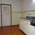 キッチンスペース・写真は101号室のものとなります。