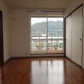 洋室6帖(南側)・写真は201号室