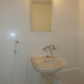 洗面所、浴室・写真は201号室のものとなります。