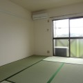 和室東側・写真は201号室のものとなります。