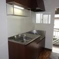 キッチン・写真は203号室のものとなります。
