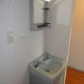 洗面所・写真は103号室のものとなります。