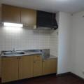 キッチンスペース・写真は302号室のものとなります。