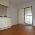 キッチンスペース・写真は202号室のものとなります。