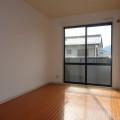 洋室・写真は201号室のものとなります。