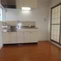 キッチンスペース・写真は205号室のものとなります。