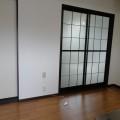 キッチンスペース(南西向き)・写真は101号室のものとなります。