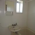 洗面所、浴室・写真は203号室のものとなります。