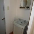 洗面所・写真は102号室のものとなります。
