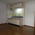 キッチン:写真は203号室のものとなります。