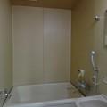 洗面所、浴室・写真は101号室のものとなります。
