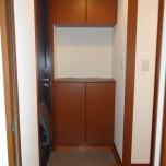 玄関・写真は202号室