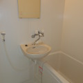 洗面所、浴室・写真は102号室のものになります。