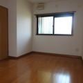 洋室(廊下側)・写真は102号室