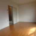洋室・写真はB棟203号室のものとなります。