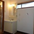 洗面所・写真は11号室のものとなります。