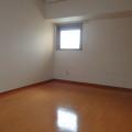 洋室(7.2畳)・写真は401号室のものとなります。