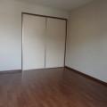 洋室2・写真は101号室のものとなります。