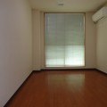 洋室・写真は103号室のものとなります。