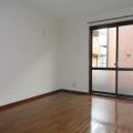 洋室(西南側)・写真は102号室のものとなります。