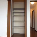 キッチン収納・写真は105号室のものとなります。