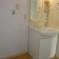 洗面所・写真は203号室のものとなります。