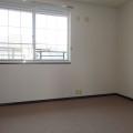 洋室(東側):写真は201号室のものとなります。