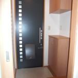 玄関(下駄箱付) 写真は202号室